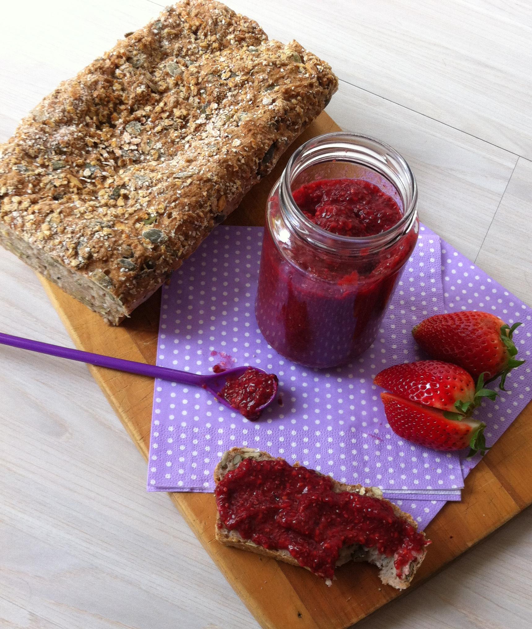 Hindbær-/jordbærmarmelade chiafrø sukkerfri