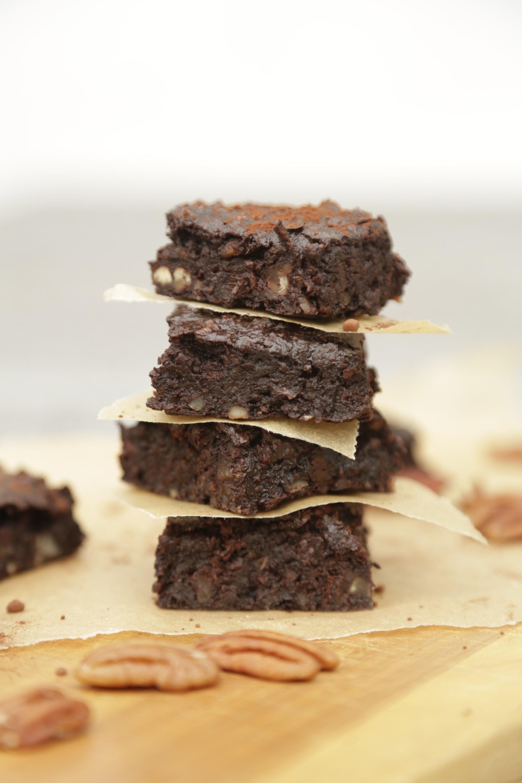 Vegan sugarfree brownies healthy cake christinebonde blog