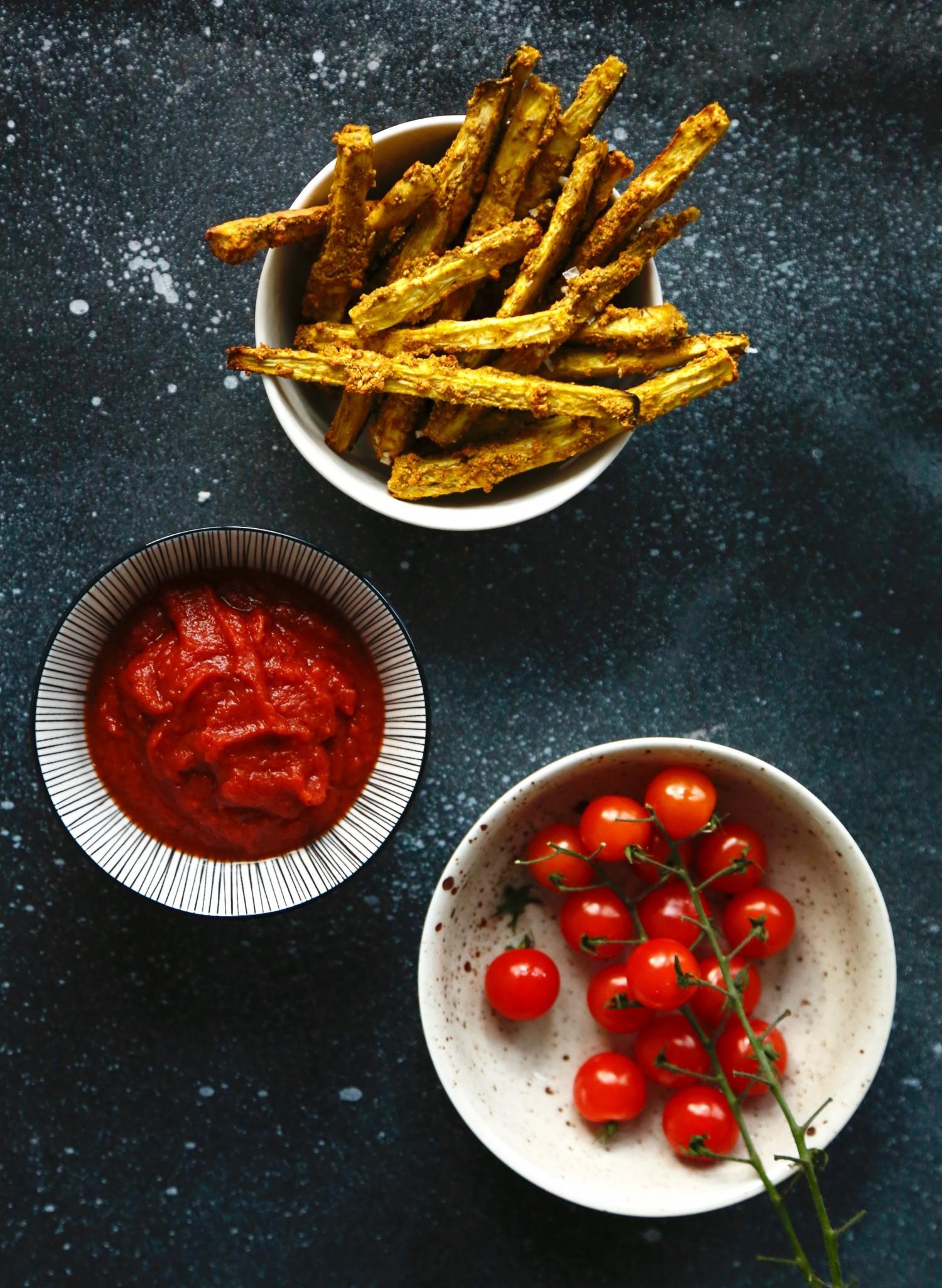 Sprøde auberginefritter + en lynhurtig hjemmelavet ketchup