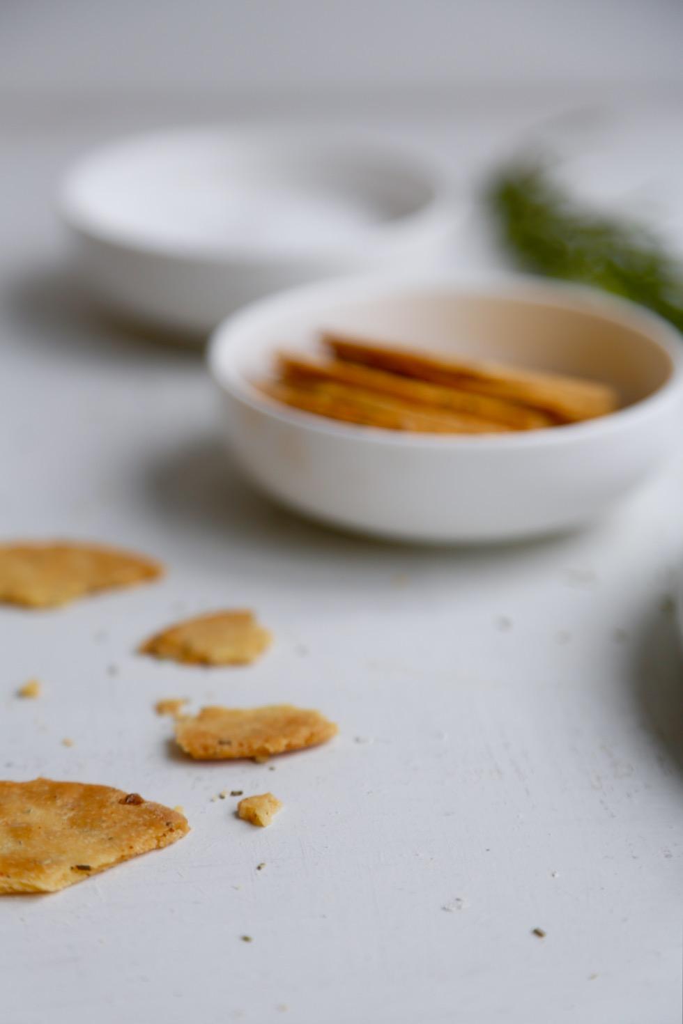Salte kikærtekiks med rosmarin (SPRØDHEDSGARANTI!)3