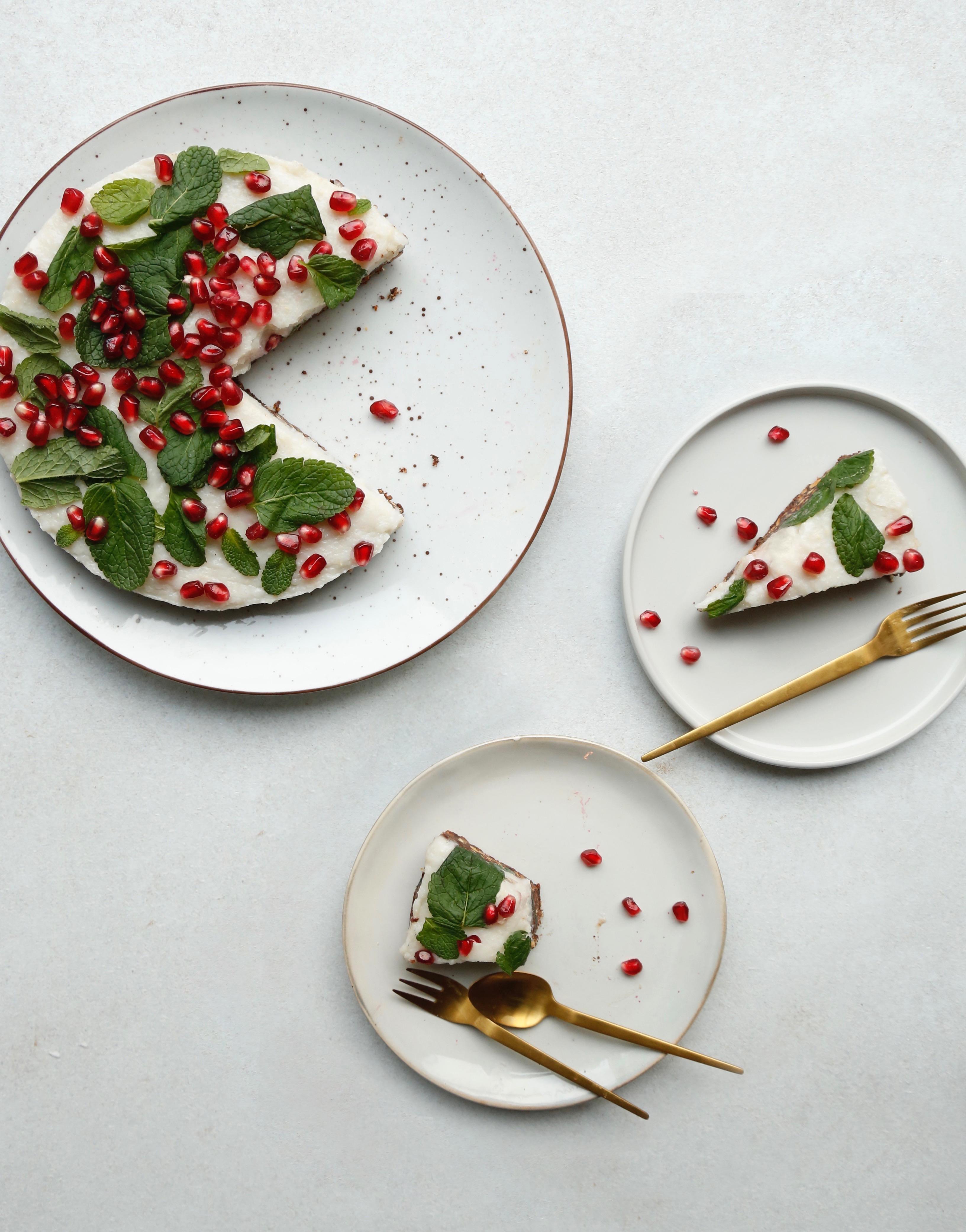 julekage-med-sproed-chokoladebund-og-en-rest-af-risengroed-1
