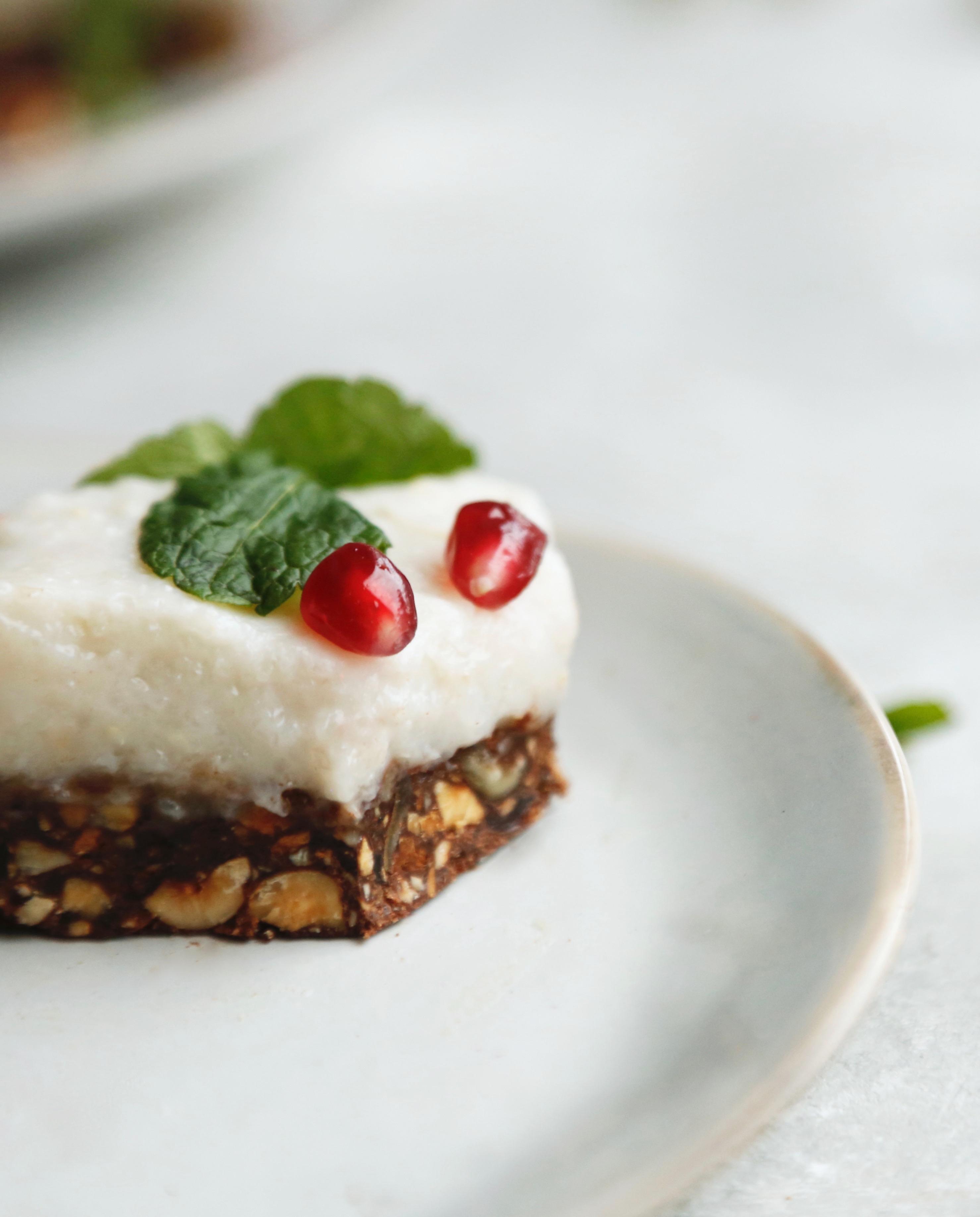 julekage-med-sproed-chokoladebund-og-en-rest-af-risengroed-5
