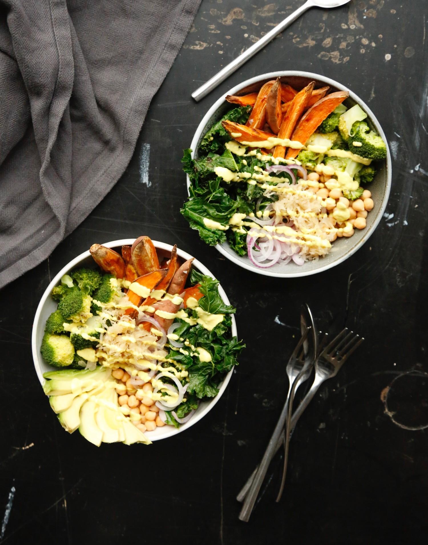opskrift-buddha-bowl-med-ingefaerdressing-1
