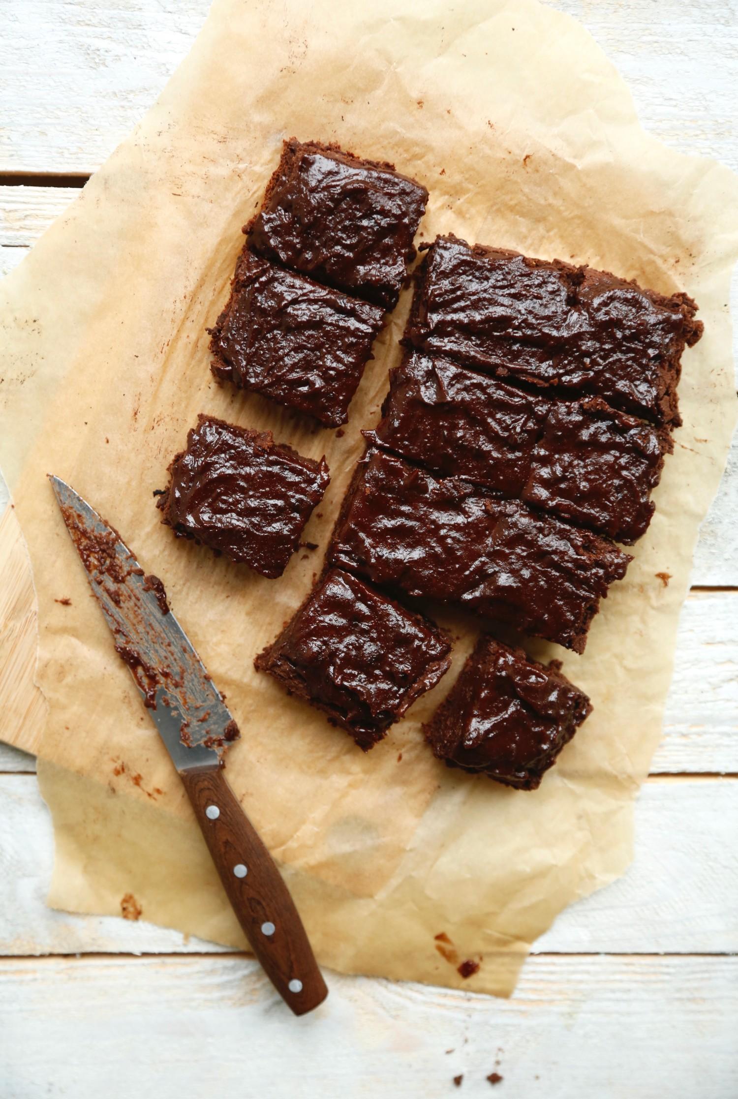 opskrift-laekker-chokoladebrownie-med-kikaerter-3