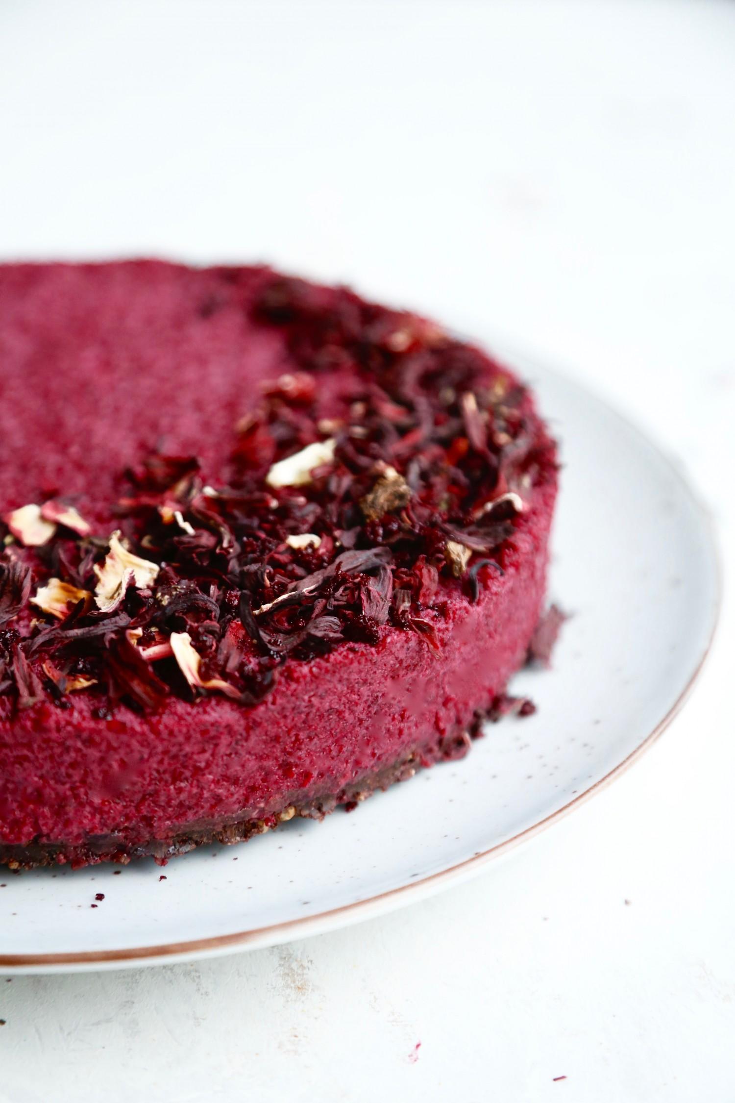 valentinsdessert-raa-roedbedekage-med-chokoladebund-2