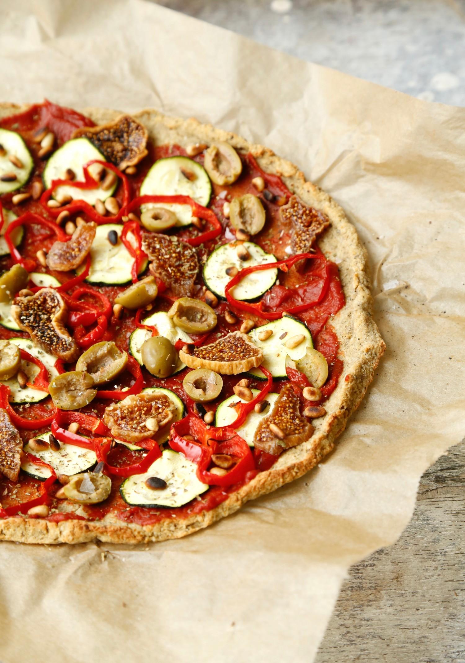 nem-blomkaalspizza-glutenfri-og-vegansk-opskrift-1-2