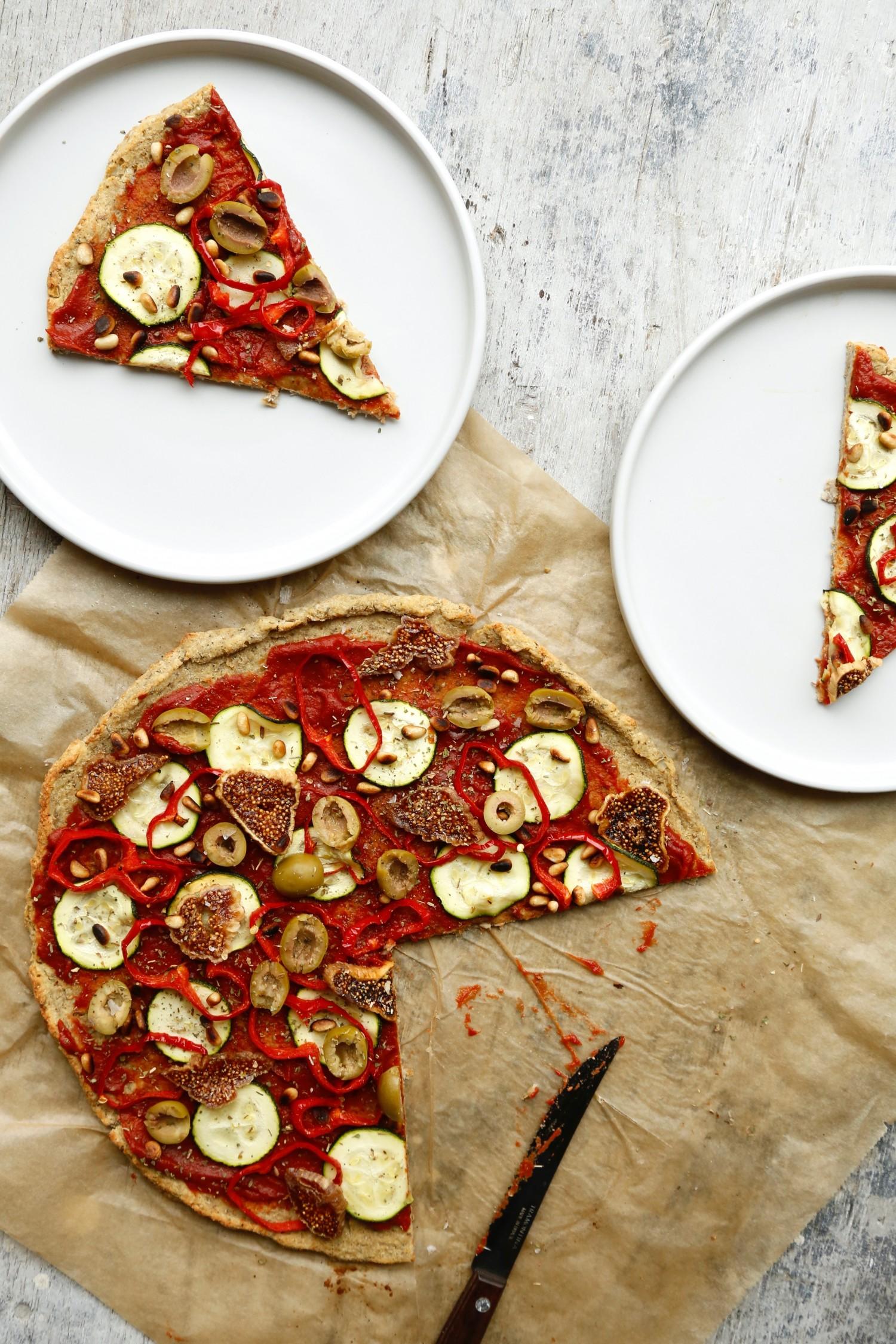 nem-blomkaalspizza-glutenfri-og-vegansk-opskrift-1-3