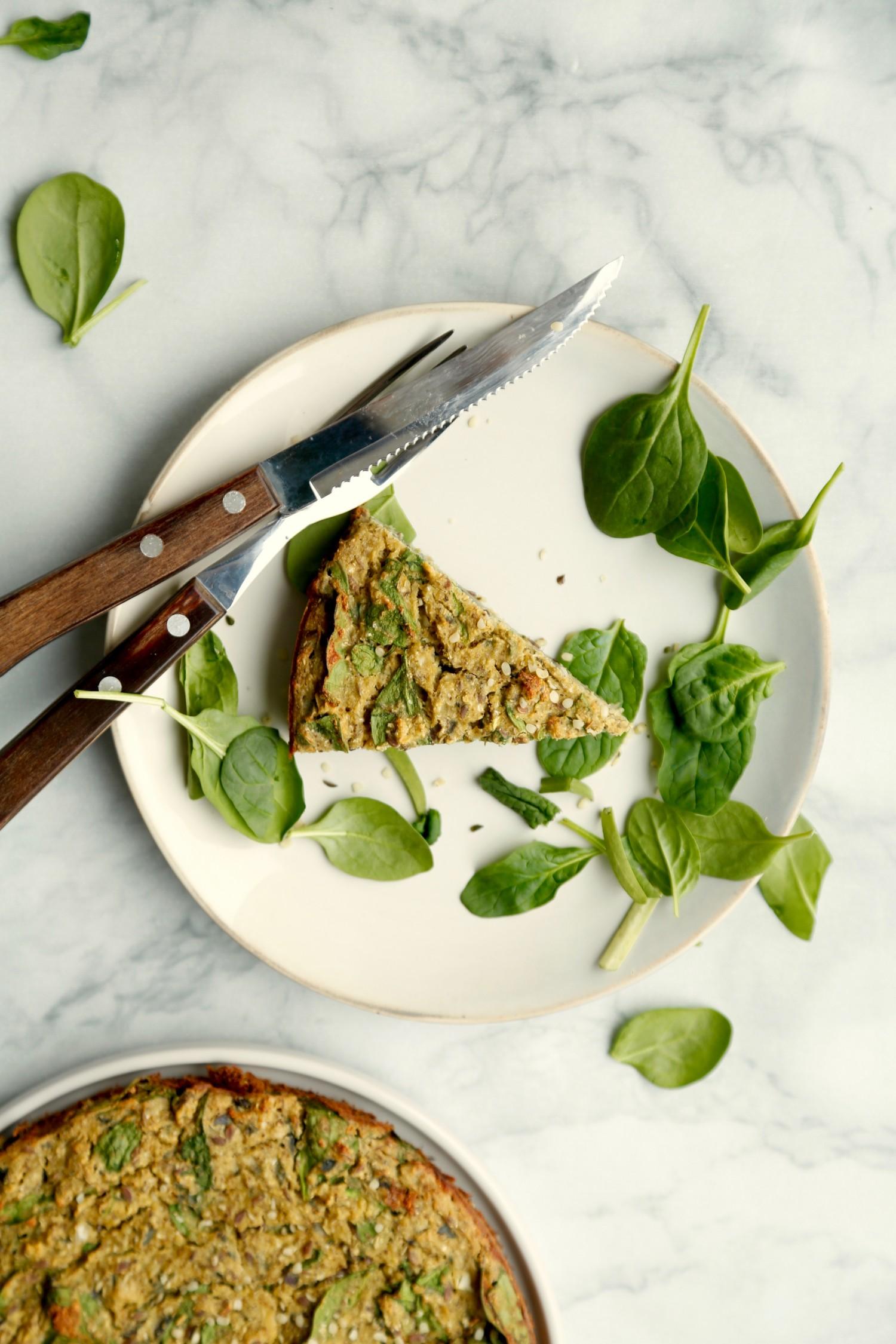 vegansk-taerte-med-blomkaal-og-spinat-glutenfri-2