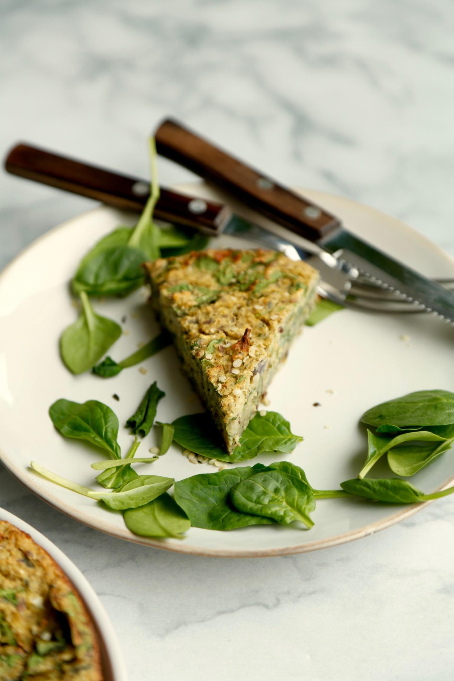 vegansk-taerte-med-blomkaal-og-spinat-glutenfri-3