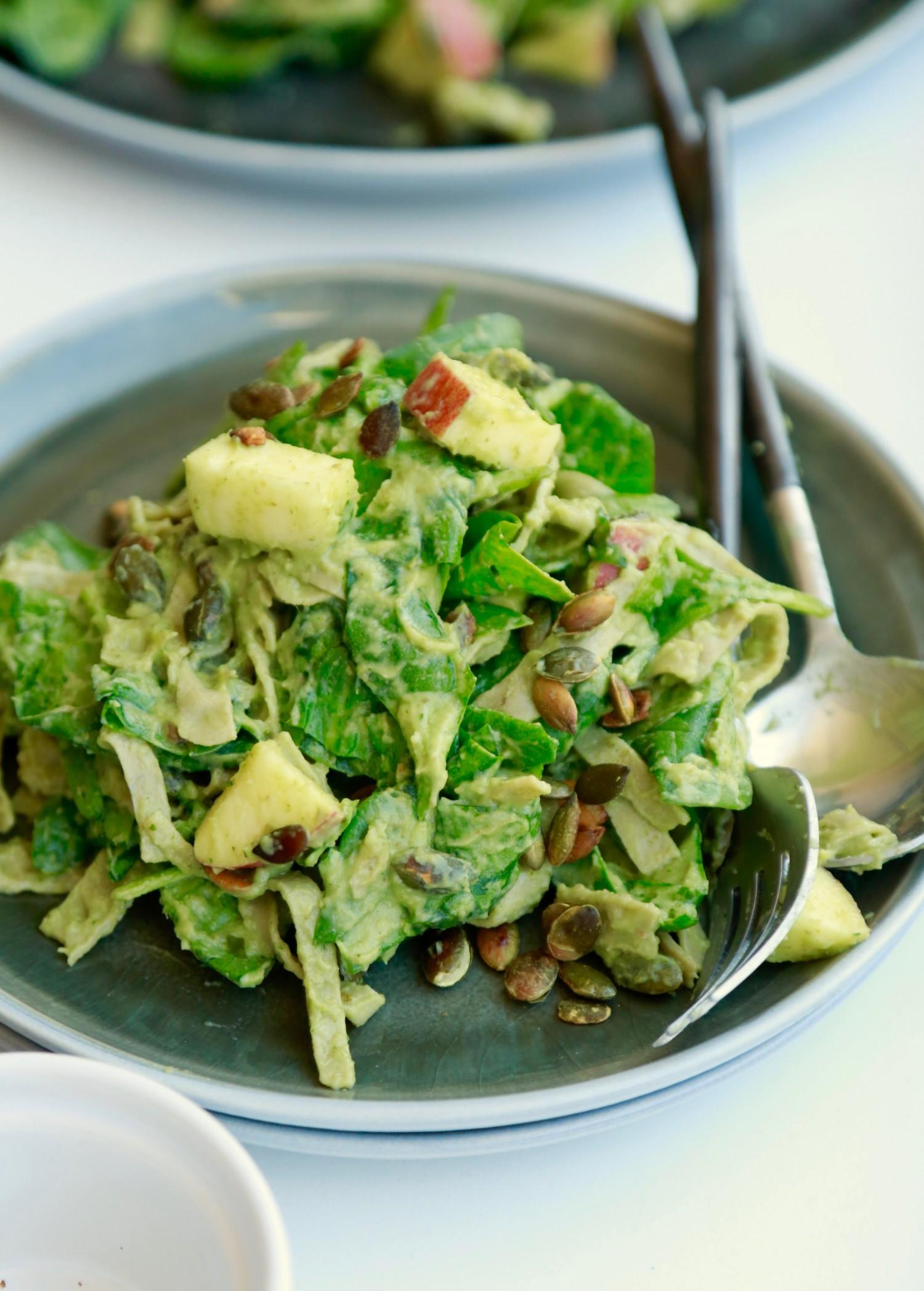 opskrift-cremet-spinatsalat-med-boennepasta-1