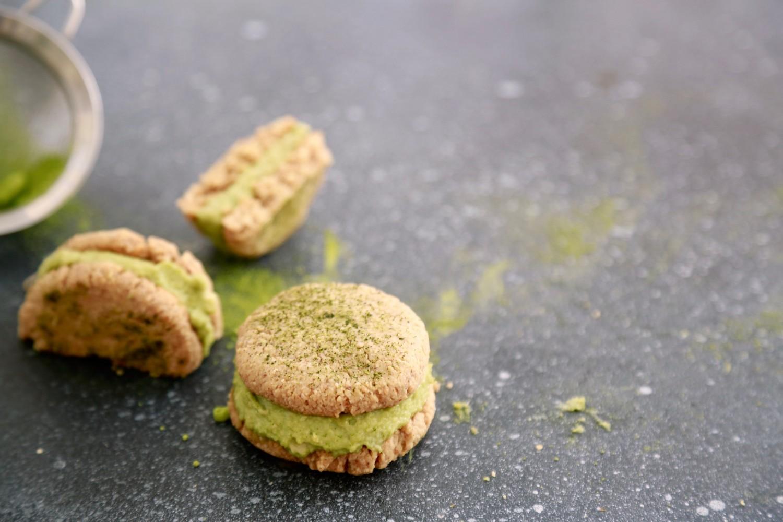 cookie-sandwich-cookies-med-matchafyld-vegansk-glutenfri-3